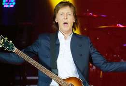 Actupeople paul mccartney se confie et fait le show au stade de france actu 01?alt=paul+mccartney paul+mccartney+%3a+se+confie+sur+sa+collaboration+avec+kanye+west+puis+enflamme+le+stade+de+france&sha=38c191435e526cc2