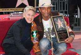 Pharrell pharell%20williams%20inaugure%20son%20etoile%20%21 actu 01?alt=pharrell pharell+williams+inaugure+son+%c3%a9toile+%21&sha=5ac19f6963de24a6