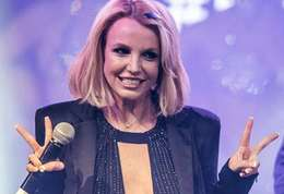 Britney Spears-Britney Spears abuse de Photoshop