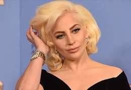 Lady Gaga-Lady Gaga, sa chanson « Til It Happens to You » évoque un membre de sa famille