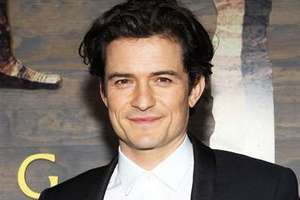 Orlando Bloom-Orlando Bloom embrasse passionnément David Walliams